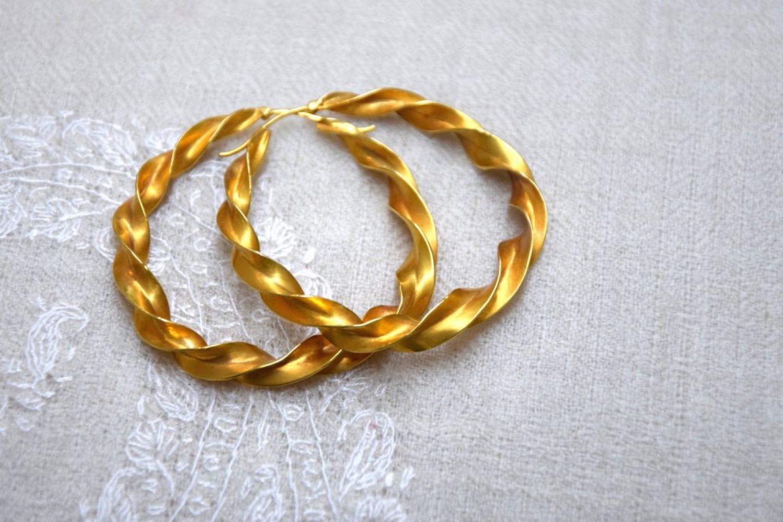 jewels-hoop-earring-creolen-gold-ines-boesch